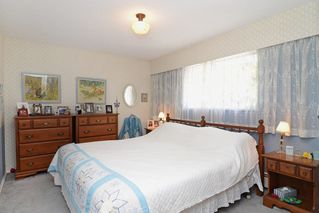 Photo 14: 405 LAURENTIAN Crescent in Coquitlam: Central Coquitlam House for sale : MLS®# R2103596