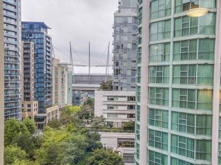 """Photo 4: 1004 819 HAMILTON Street in Vancouver: Downtown VW Condo for sale in """"819 HAMILTON"""" (Vancouver West)  : MLS®# R2105392"""