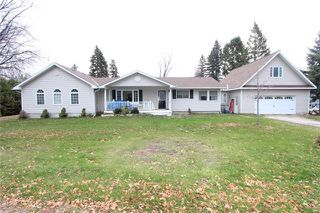 Photo 1: 107 Parklawn Boulevard in Brock: Beaverton House (Bungalow) for sale : MLS®# N3657167
