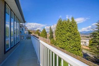 Photo 18: 2765 NADINA Drive in Coquitlam: Coquitlam East House for sale : MLS®# R2152484