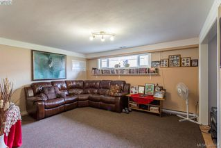 Photo 14: 1205 Parkdale Dr in VICTORIA: La Glen Lake House for sale (Langford)  : MLS®# 763951