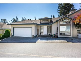 """Photo 1: 19 8590 SUNRISE Drive in Chilliwack: Chilliwack Mountain Townhouse for sale in """"Maple Hills"""" : MLS®# R2193379"""