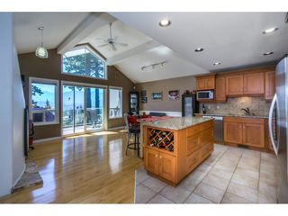 """Photo 5: 19 8590 SUNRISE Drive in Chilliwack: Chilliwack Mountain Townhouse for sale in """"Maple Hills"""" : MLS®# R2193379"""