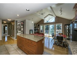 """Photo 9: 19 8590 SUNRISE Drive in Chilliwack: Chilliwack Mountain Townhouse for sale in """"Maple Hills"""" : MLS®# R2193379"""