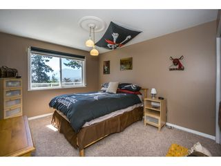 """Photo 13: 19 8590 SUNRISE Drive in Chilliwack: Chilliwack Mountain Townhouse for sale in """"Maple Hills"""" : MLS®# R2193379"""
