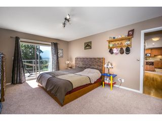 """Photo 11: 19 8590 SUNRISE Drive in Chilliwack: Chilliwack Mountain Townhouse for sale in """"Maple Hills"""" : MLS®# R2193379"""
