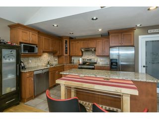 """Photo 7: 19 8590 SUNRISE Drive in Chilliwack: Chilliwack Mountain Townhouse for sale in """"Maple Hills"""" : MLS®# R2193379"""