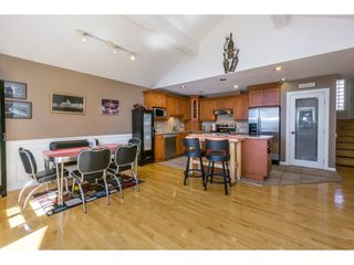 """Photo 6: 19 8590 SUNRISE Drive in Chilliwack: Chilliwack Mountain Townhouse for sale in """"Maple Hills"""" : MLS®# R2193379"""