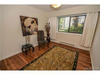 Photo 16: 101 1792 Rockland Avenue in VICTORIA: Vi Rockland Residential for sale (Victoria)  : MLS®# 324663