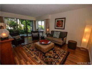 Photo 2: 101 1792 Rockland Avenue in VICTORIA: Vi Rockland Residential for sale (Victoria)  : MLS®# 324663