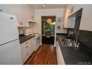 Photo 9: 101 1792 Rockland Avenue in VICTORIA: Vi Rockland Residential for sale (Victoria)  : MLS®# 324663