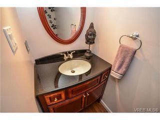 Photo 15: 101 1792 Rockland Avenue in VICTORIA: Vi Rockland Residential for sale (Victoria)  : MLS®# 324663
