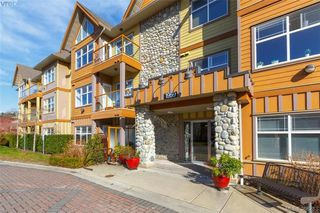 Main Photo: 207 1959 Polo Park Court in SAANICHTON: CS Saanichton Condo Apartment for sale (Central Saanich)  : MLS®# 388283
