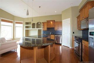 Photo 5: 584 Denali Drive, in Kelowna: House for sale : MLS®# 10144883