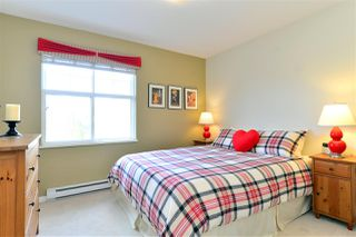 """Photo 15: 19 15450 ROSEMARY HEIGHTS Crescent in Surrey: Morgan Creek Townhouse for sale in """"Carrington"""" (South Surrey White Rock)  : MLS®# R2252052"""