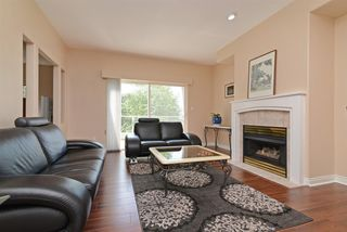"Photo 2: 85 2979 PANORAMA Drive in Coquitlam: Westwood Plateau Townhouse for sale in ""DEERCREST"" : MLS®# R2266386"
