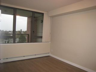 "Photo 8: 808 2689 KINGSWAY in Vancouver: Collingwood VE Condo for sale in ""SKYWAY TOWER"" (Vancouver East)  : MLS®# R2268899"