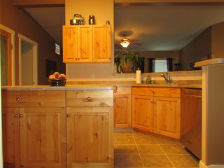"""Photo 8: 13039 HUNTER'S Lane in Charlie Lake: Lakeshore Manufactured Home for sale in """"BEN'S SUBDIVISION"""" (Fort St. John (Zone 60))  : MLS®# R2298244"""