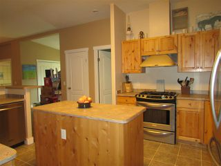 """Photo 7: 13039 HUNTER'S Lane in Charlie Lake: Lakeshore Manufactured Home for sale in """"BEN'S SUBDIVISION"""" (Fort St. John (Zone 60))  : MLS®# R2298244"""