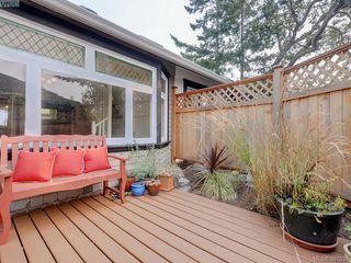 Photo 20: 2525 Scott St in VICTORIA: Vi Oaklands Half Duplex for sale (Victoria)  : MLS®# 795860
