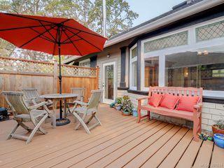 Photo 21: 2525 Scott St in VICTORIA: Vi Oaklands Half Duplex for sale (Victoria)  : MLS®# 795860