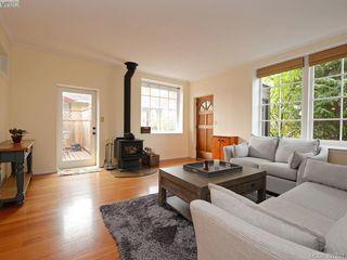 Photo 6: 2525 Scott St in VICTORIA: Vi Oaklands Half Duplex for sale (Victoria)  : MLS®# 795860