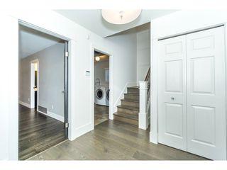 "Photo 4: 943 HABGOOD Street: White Rock House for sale in ""White Rock Hillside"" (South Surrey White Rock)  : MLS®# R2314241"