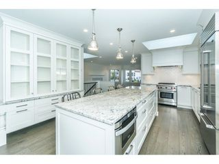 "Photo 3: 943 HABGOOD Street: White Rock House for sale in ""White Rock Hillside"" (South Surrey White Rock)  : MLS®# R2314241"