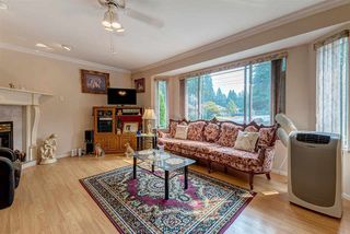 Photo 3: 11653 207 Street in Maple Ridge: Southwest Maple Ridge House for sale : MLS®# R2336583