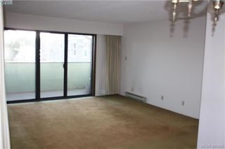 Photo 3: 203 935 Fairfield Rd in VICTORIA: Vi Fairfield West Condo Apartment for sale (Victoria)  : MLS®# 805706