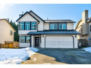 Main Photo: 26452 32A Avenue in Langley: Aldergrove Langley House for sale : MLS®# R2345094