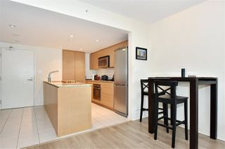 "Photo 6: 704 522 W 8TH Avenue in Vancouver: Fairview VW Condo for sale in ""CROSSROADS"" (Vancouver West)  : MLS®# R2347481"
