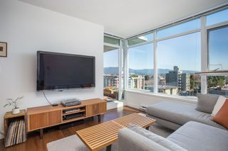 """Photo 2: 701 251 E 7TH Avenue in Vancouver: Mount Pleasant VE Condo for sale in """"District South Main"""" (Vancouver East)  : MLS®# R2352506"""