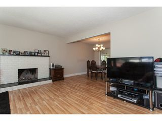 Photo 4: 1962 CATALINA Crescent in Abbotsford: Abbotsford West House for sale : MLS®# R2353919