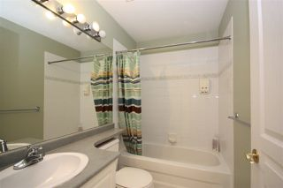 """Photo 17: 214 1465 PARKWAY Boulevard in Coquitlam: Westwood Plateau Townhouse for sale in """"SILVER OAK"""" : MLS®# R2365652"""