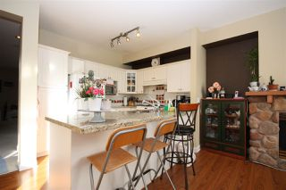 """Photo 4: 214 1465 PARKWAY Boulevard in Coquitlam: Westwood Plateau Townhouse for sale in """"SILVER OAK"""" : MLS®# R2365652"""