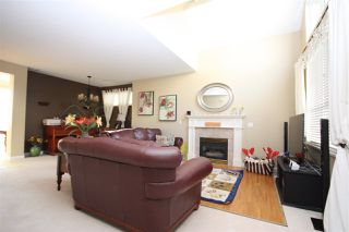 """Photo 9: 214 1465 PARKWAY Boulevard in Coquitlam: Westwood Plateau Townhouse for sale in """"SILVER OAK"""" : MLS®# R2365652"""
