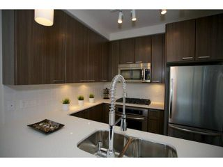 """Photo 4: 303 2789 SHAUGHNESSY Street in Port Coquitlam: Central Pt Coquitlam Condo for sale in """"THE SHAUGHNESSY"""" : MLS®# R2367927"""