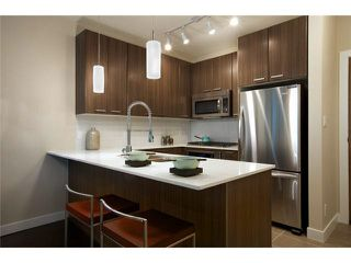 """Photo 3: 303 2789 SHAUGHNESSY Street in Port Coquitlam: Central Pt Coquitlam Condo for sale in """"THE SHAUGHNESSY"""" : MLS®# R2367927"""