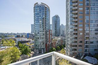 "Photo 10: 1103 550 TAYLOR Street in Vancouver: Downtown VW Condo for sale in ""The Taylor"" (Vancouver West)  : MLS®# R2369050"