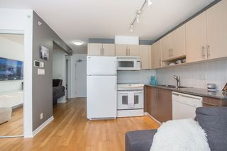 "Photo 3: 1103 550 TAYLOR Street in Vancouver: Downtown VW Condo for sale in ""The Taylor"" (Vancouver West)  : MLS®# R2369050"