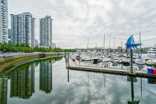 "Photo 18: 1801 1201 MARINASIDE Crescent in Vancouver: Yaletown Condo for sale in ""The Peninsula"" (Vancouver West)  : MLS®# R2373900"