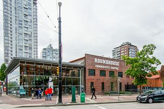"Photo 20: 1801 1201 MARINASIDE Crescent in Vancouver: Yaletown Condo for sale in ""The Peninsula"" (Vancouver West)  : MLS®# R2373900"