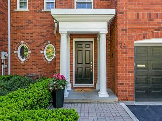 Main Photo: 74 W FAIRWOOD Place in Burlington: Residential for sale : MLS®# H4055787