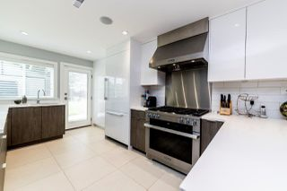 Photo 2: 1443 MILL Street in North Vancouver: Lynn Valley House for sale : MLS®# R2379970