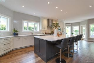 Photo 3: 785 Murphy Place in VICTORIA: SE Cordova Bay Single Family Detached for sale (Saanich East)  : MLS®# 413049