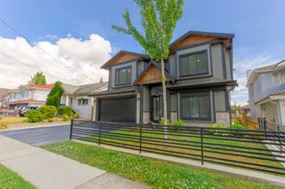 Photo 2: 7930 15TH Avenue in Burnaby: East Burnaby House for sale (Burnaby East)  : MLS®# R2385512