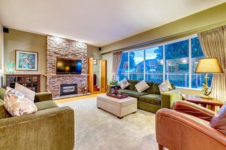"""Photo 2: 630 SYDNEY Avenue in Coquitlam: Coquitlam West House for sale in """"WEST COQUITLAM"""" : MLS®# R2433457"""