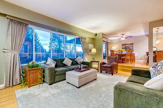 """Photo 3: 630 SYDNEY Avenue in Coquitlam: Coquitlam West House for sale in """"WEST COQUITLAM"""" : MLS®# R2433457"""