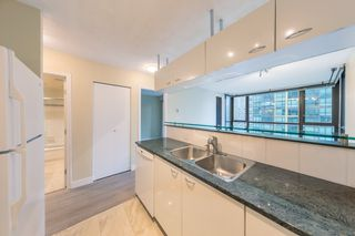 "Photo 7: 806 1331 ALBERNI Street in Vancouver: West End VW Condo for sale in ""THE LIONS"" (Vancouver West)  : MLS®# R2434955"